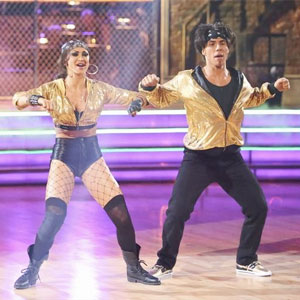 File:DWTSAS-karina-apolo-hiphop.jpg