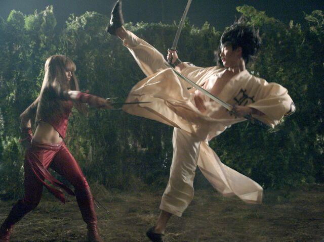 File:Elektra vs Kirigi.jpg