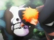 Ichigo returns Shrieker's bombs