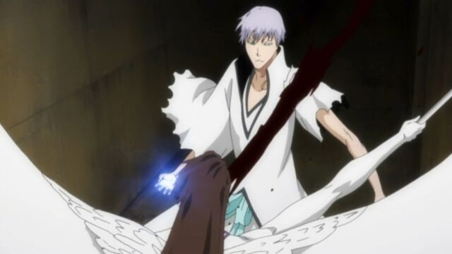 File:Aizen slashes Gin.jpg