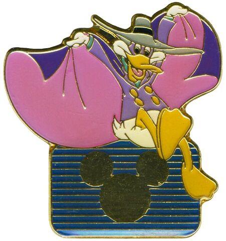 File:Pin - DW Mickey.jpg