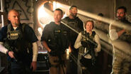 New-red-band-sabotage-trailer-focuses-on-the-supporting-characters-watch-now-158542-a-1394696025-470-75