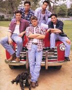 Days-Of-Our-Lives-Promo-Pic-s-jensen-ackles-1279055-450-565