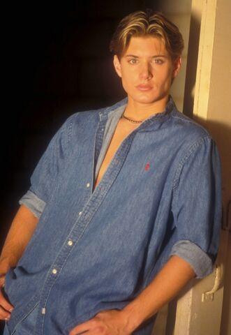 File:Jensen Ackley 1999 by Barry King-06.jpg