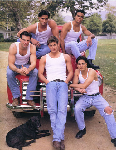 File:Days-Of-Our-Lives-Promo-Pic-s-jensen-ackles-1279050-450-566.jpg