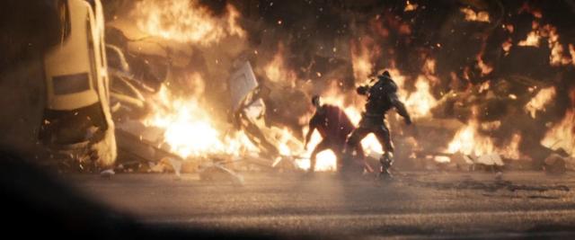 File:Superman vs Zod.png