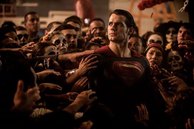 File:Superman amongst Day of the Dead celebrations.jpg