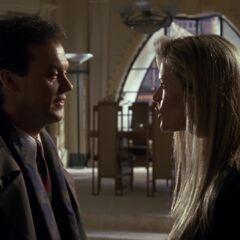 Bruce visits Vicki's apartment.