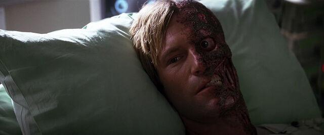File:-Harvey-Dent-Two-Face-The-Dark-Knight-Screencaps-harvey-dent-13409285-1272-530.jpg