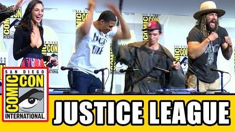 JUSTICE LEAGUE Assemble At Comic Con - Ben Affleck, Gal Gadot, Jason Momoa, Ezra Miller, Ray Fisher