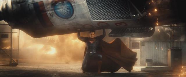 File:Batman v Superman 30.png
