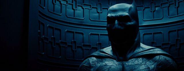 File:Batsuit teaser-BvS.jpg