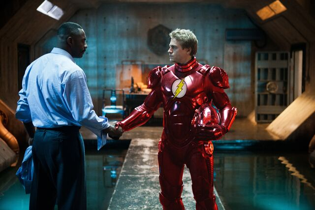 File:Barry in the Flash suit.jpg