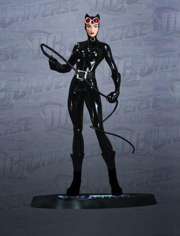 File:StatueCatwoman.jpg