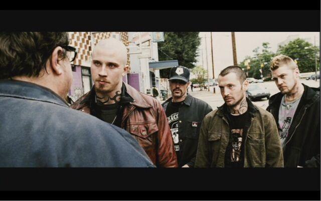 File:Bones Darley talking to the Darley Gang.jpg