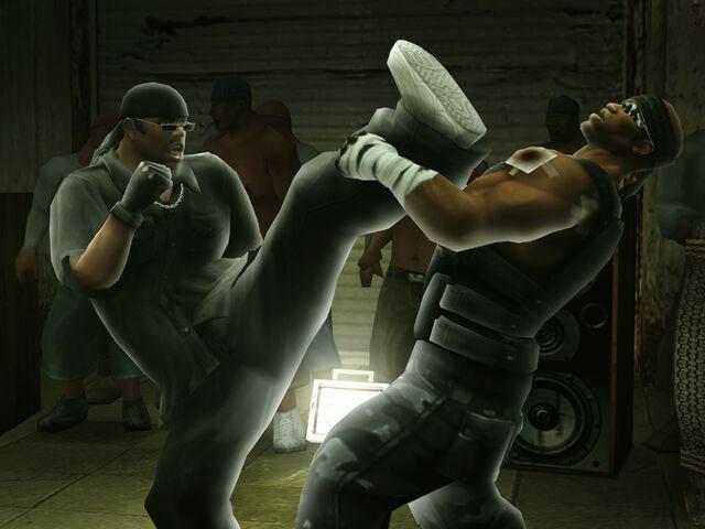 File:Kickboxing mid.jpg