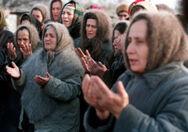 300px-Evstafiev-chechnya-women-pray