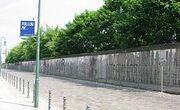 250px-Berlin-wall2