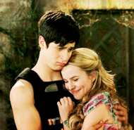 Justin-juliet-hugging-justin-russo-and-juliet-26700222-500-281