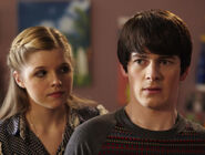 Amber-fabian-house-of-anubis-season-2-28605918-510-385