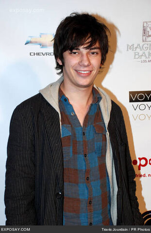 File:Devon-bostick-8th-young-hollywood-holiday-0r0LOv.jpg