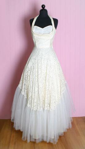 File:Vintage-wedding-dress2.jpg