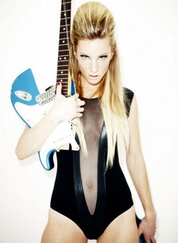File:Heather-morris-esquire-04192011-01-430x587.jpg