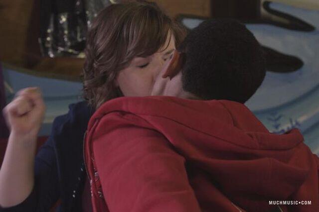 File:Callas kiss.jpg