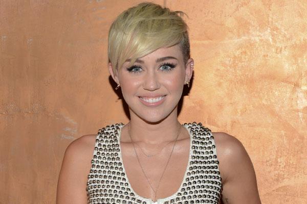 File:MileyCyrus 600-400-10-18-12.jpg
