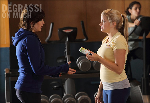 File:Jenna Middleton Teasing Anya MacPherson With The Diet Pills.png