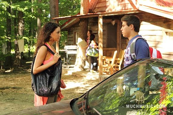 File:Bianca & Drew Talking & Katie Spying From A Distance.jpg