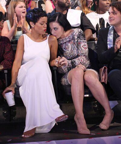 File:Rihanna Katy Perry-1312755.jpg