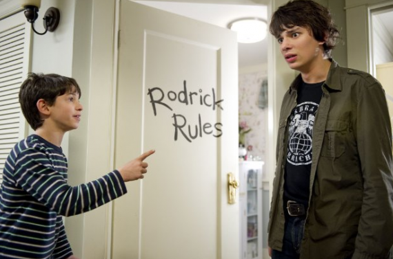 File:Greg-gets-bullied-by-rodrick 570x377.png