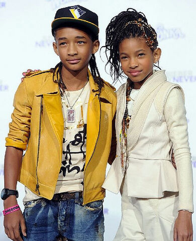File:Willow-jaden-smith-justin-bieber-never-say-never-premiere.jpg