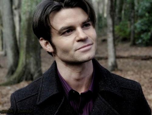 File:Elijah-vampire-diaries.jpg