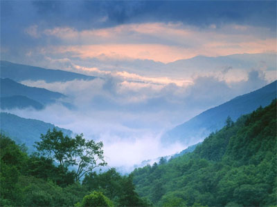 File:Smoky20mountains-20spring1.jpg