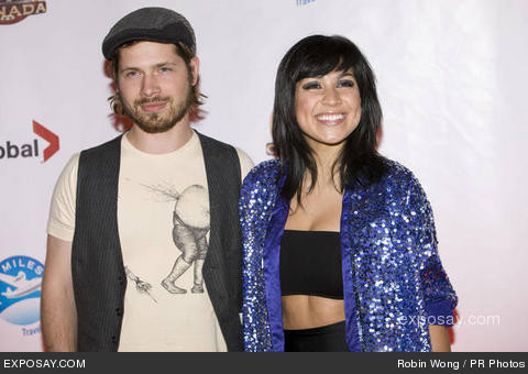 File:Mike-lobel-and-cassie-steele-et-canada-8vaBkK.jpg