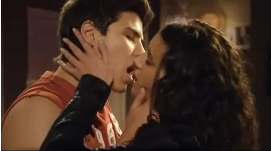 File:Drianca Kiss3.PNG