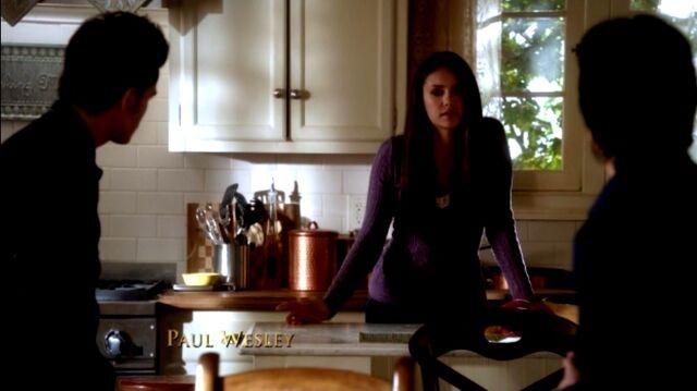 File:Elena and Salvatores.jpg