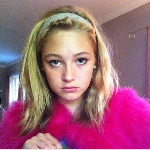 File:Olivia scriven twitter PVoYZX8r sized.jpg