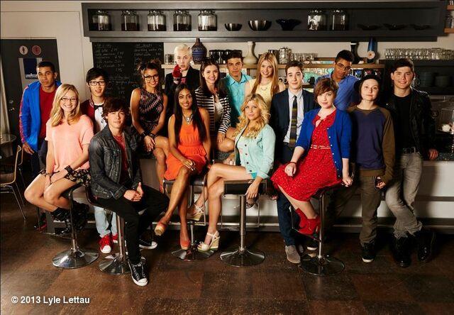 File:Season 13 cast.jpg