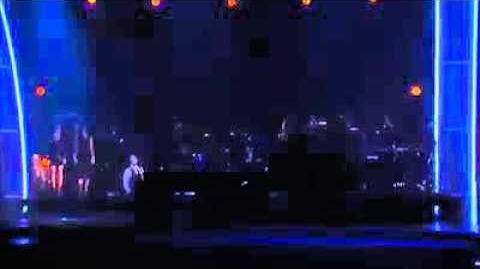 "Demi Lovato sings Lionel Richie's ""Hello"" - Grammy 2016"