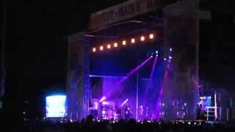 Demi Lovato, Really Don't Care live Digifest 2015 NYC