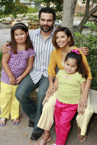 File:Solisfamily.png