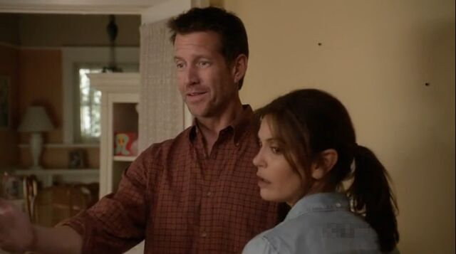 File:8x15 - Mike and Susan.jpg