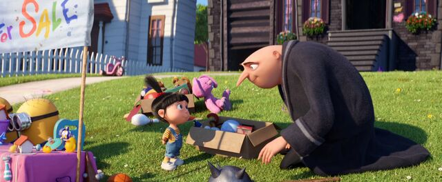 File:Despicable-me-3-Agnes selling thing and Gru.jpg