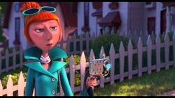 Lucy-Wilde-Despicable-Me-2-Movie-Wallpaper