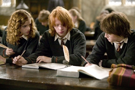 File:Hermione-reading.jpg