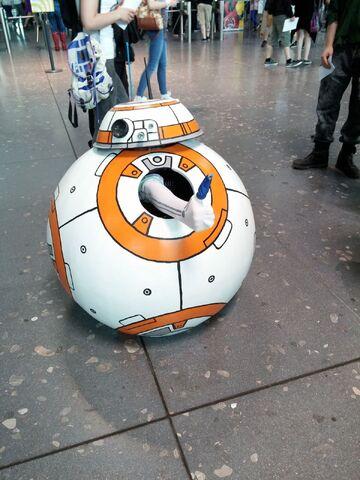 Datei:ComicCon Stuttgart Star Wars.jpg