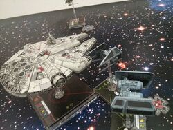 X-Wing Miniaturen im Büro.jpg